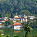 Sri_Lanka_-_029_-_Kandy_Temple_of_the_Tooth