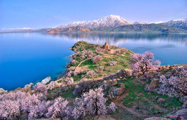 Sevan-Peninsula